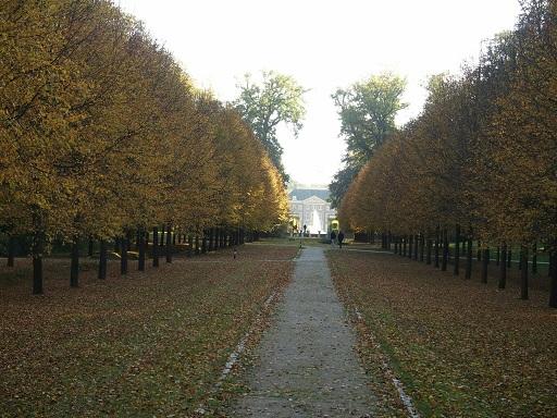 Prachtig zicht op Paleis Het Loo in de herfst