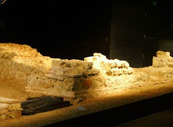 Bijzondere opgravingen in de kelders van de Guildhall Art Gallery!