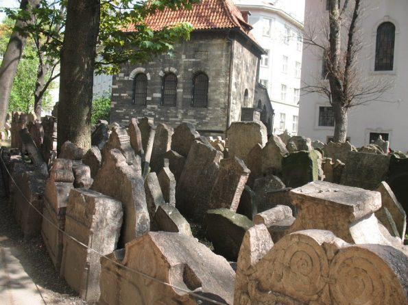 De Joodse begraafplaats