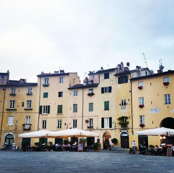 Lucca Piazza dell'Anfiteatro