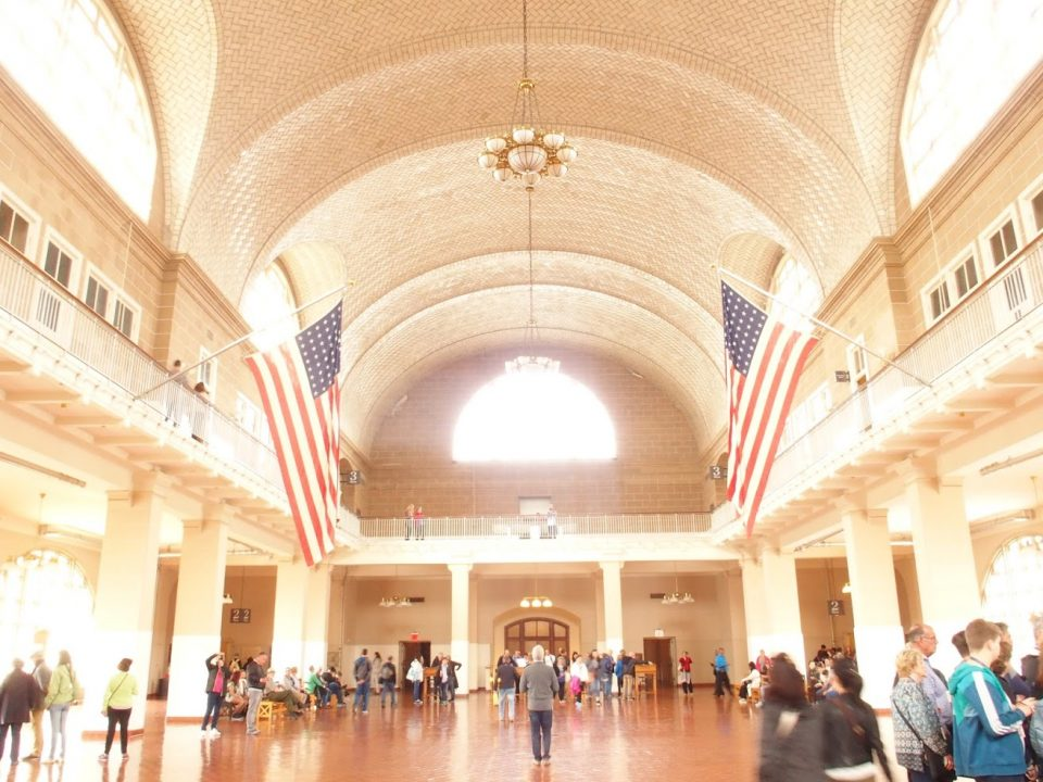 De grote hal van Ellis Island