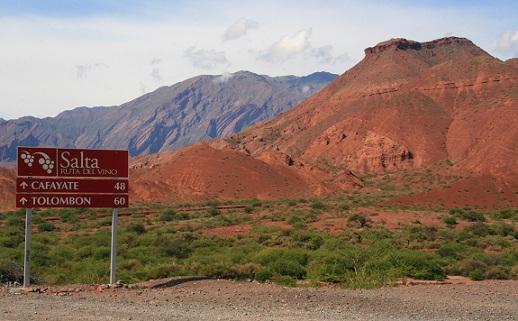 Prachtig gekleurde bergen in de omgeving van Salta, Argentinië