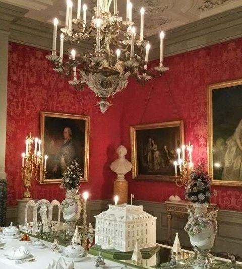 Schitterende kerst-dinertafels stonden gedekt in Paleis Het Loo!