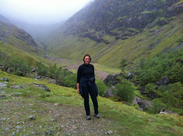 Het is een flinke klim naar Lost Valley bij Glencoe!