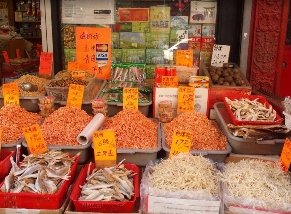 Dankzij deze kraampjes hangt er een vreselijk penetrante geur in Chinatown!